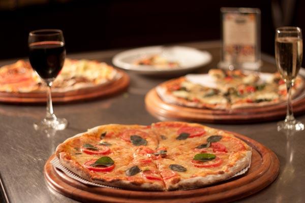 pizzaria carolla curitiba santa felicidade